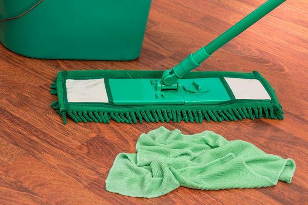 czyszczenie podłóg