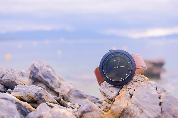 oryginalny drewniany zegarek