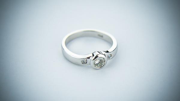 pierścionki zaręczynowe na zamówienie